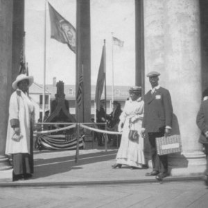 African Americans visitors to the Panama-Pacific International Exposition to see the Liberty Bell, 1915.  Courtesy of The Bancroft Library, University of California, Berkeley