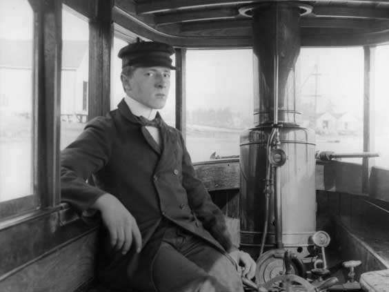 Louis kept photos from his youth. Among them are photos with his family, the Paris Expositions, the 1901 New York World's Fair, and his steam-powered boat, The Petrel.