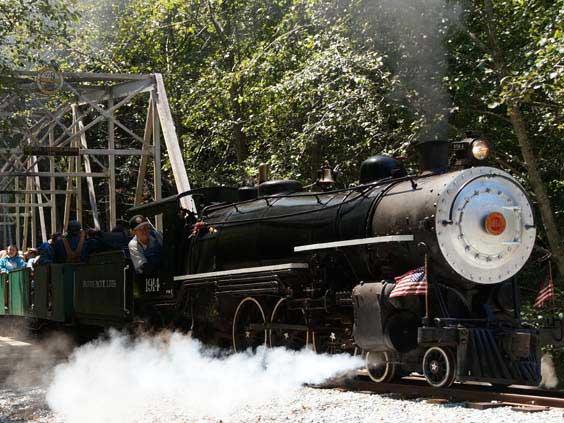 08-santa-cruz-train-rides